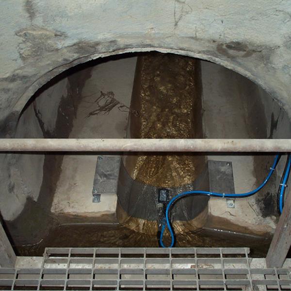 Measuring pipe water flow
