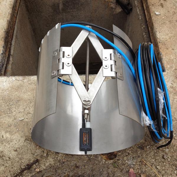 Velocity probe inside clamp